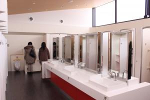 ↑手洗い場も広々。